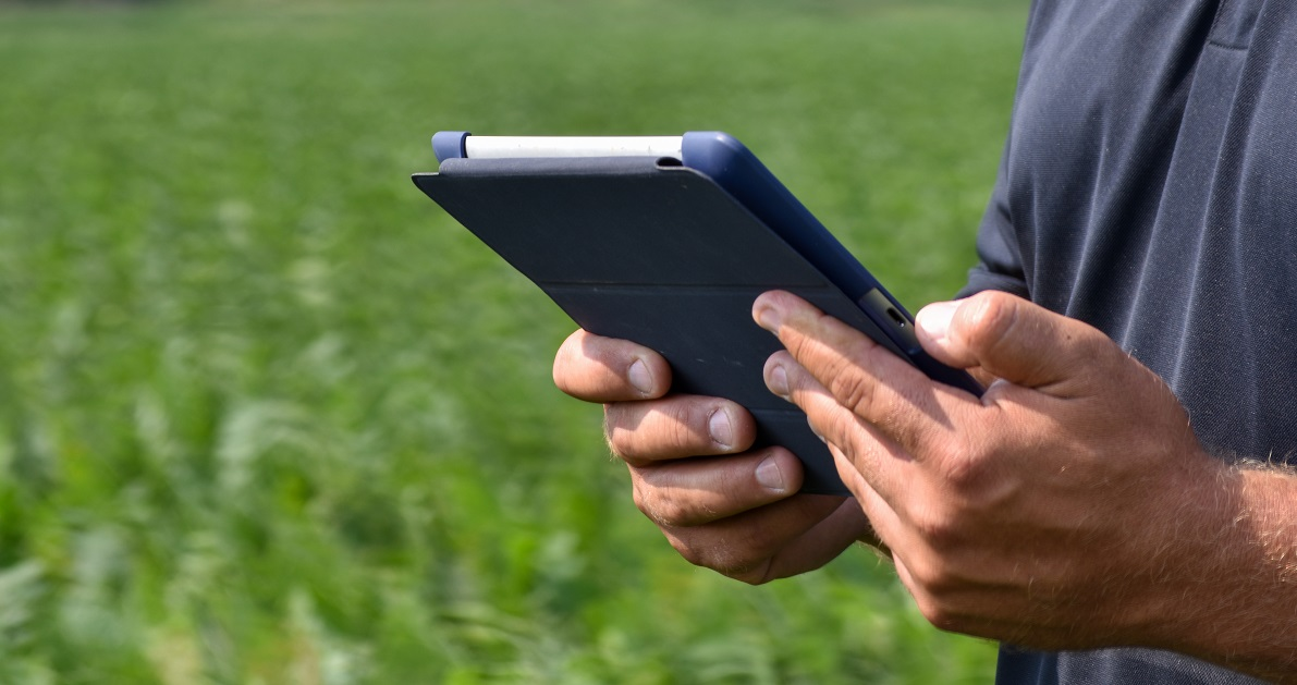 satellite imagery helps illinois growers see the full picture